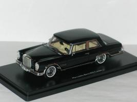 Прикрепленное изображение: Mercedes 600 W100 Coupe 001.JPG