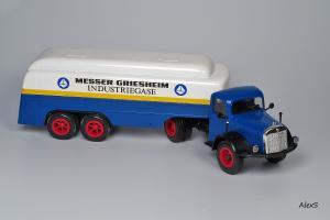 Прикрепленное изображение: Mercedes-Benz LS 315 Tanksattelzug MESSER GRIESHEIM 1956 Conrad 005426.jpg