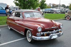 Прикрепленное изображение: Mercury Monterey Sport Coupe-1950.01.jpg