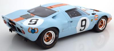 Прикрепленное изображение: Sieger-24h-Le-Mans-Ford-GT40-CMR-CMR12005-2.jpg