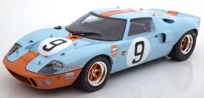 Прикрепленное изображение: Sieger-24h-Le-Mans-Ford-GT40-CMR-CMR12005-0.jpg
