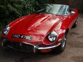 Прикрепленное изображение: fe1382172336ae3dd25cb5cd9e2717fa--jaguar-e-type-auction.jpg