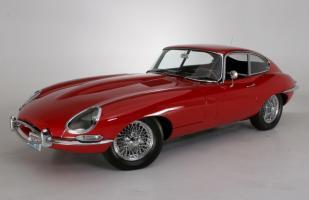 Прикрепленное изображение: jaguar_etype_1.jpg
