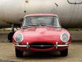 Прикрепленное изображение: jaguar_e-type_series1_group-coupe_002.jpg