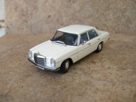 Прикрепленное изображение: Mercedes220D6.jpg
