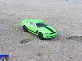 Прикрепленное изображение: Ford Mustang Boss 302_0-0.jpg