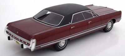Прикрепленное изображение: 1973 Chrysler New Yorker Brougham 002.jpg