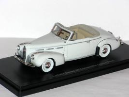 Прикрепленное изображение: La Salle Series 50 Convertible Coupe 1940 001.JPG
