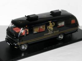Прикрепленное изображение: Dodge Travco Team Motorhome Lotus 1973 001.JPG