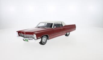 Прикрепленное изображение: 1967 Cadillac DeVille Coupe 02.jpg