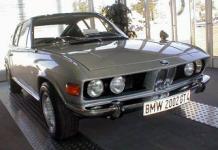Прикрепленное изображение: BMW_2002gt41_1.jpg