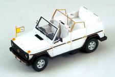 Прикрепленное изображение: Mercedes_Benz_GE_230_Papamobil_Convertible.jpg