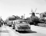 Прикрепленное изображение: Mercedes_Benz_Renntransporter_3.jpg