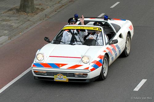 Прикрепленное изображение: ferrary_328_GTS_Dutch_police.jpg