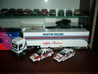 Прикрепленное изображение: Alfa_Romeo_DTM_ITC_Martini_Racing_1995_96.jpg