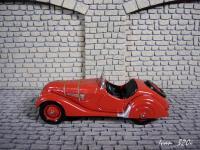 Прикрепленное изображение: BMW_328_Cabrio_Kaiser_Classic_1936_2.JPG