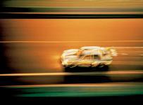Прикрепленное изображение: Bmw_Art_Car_1977_320i_Lichtenstein_4_lg.jpg