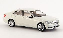 Прикрепленное изображение: Mercedes_Benz_E_Klasse__W212__Avantgarde_2009.jpg