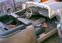Прикрепленное изображение: 1_18_scale_custom_diecast_1958_cadillac_eldorado_biarritz_convertible_b_interior.jpg