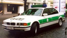 Прикрепленное изображение: bmw_750i_Bavaria_Police_Dept.jpg