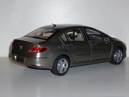 Прикрепленное изображение: Peugeot_408_sedan_02.JPG