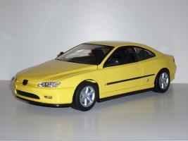 Прикрепленное изображение: Peugeot_406_coupe_01.JPG