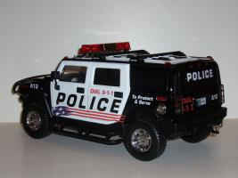 Прикрепленное изображение: HUMMER_H2_police_02.JPG