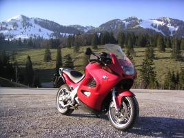 Прикрепленное изображение: BMW_K1200RS_red.JPG