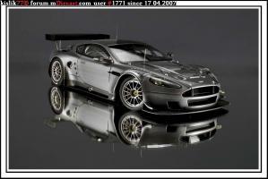 Прикрепленное изображение: AutoArt_Aston_Martin_DBR9.JPG