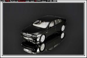 Прикрепленное изображение: Kyosho_BMW_760_Li.JPG