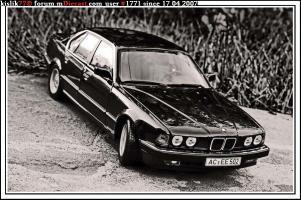 Прикрепленное изображение: Minichamps_BMW_730i.jpg