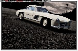 Прикрепленное изображение: Minichamps_Mercedes_300SL.jpg