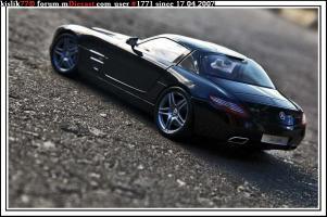 Прикрепленное изображение: Minichamps_Mercedes_Benz_SLS_AMG.jpg
