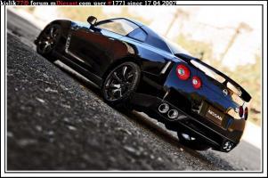 Прикрепленное изображение: AutoArt_Nissan_GT_R_R35__2_.jpg