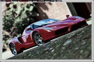 Прикрепленное изображение: Kyosho_Ferrari_Enzo.jpg