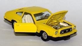 Прикрепленное изображение: Ford_Mustang_II_Mach_1_Tomica_Dandy___2.jpg