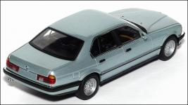 Прикрепленное изображение: BMW_7er_Minichamps___2_small.jpg