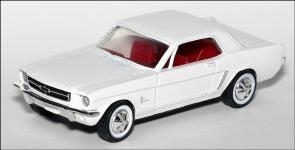 Прикрепленное изображение: 1964_Ford_Mustang_Hardtop_ERTL___1_small.jpg
