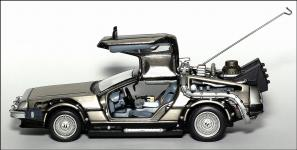 Прикрепленное изображение: DeLorean_Back_To_The_Future_Part_1___Vitesse___3_small.jpg