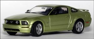 Прикрепленное изображение: 2004_Ford_Mustang_GT_Auto_Show_Version___AutoArt___52761___2_small.jpg