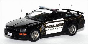 Прикрепленное изображение: 2005_Ford_Mustang_GT_USA_Lancaster_Police___Ixo___MOC082___1_small.jpg