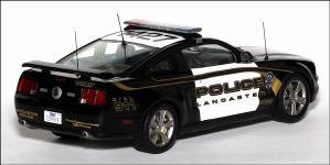 Прикрепленное изображение: 2005_Ford_Mustang_GT_USA_Lancaster_Police___Ixo___MOC082___2_small.jpg