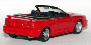 Прикрепленное изображение: 1994_Ford_Mustang_GT_Cabriolet___Minichamps___430_085632___2_small.jpg