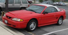 Прикрепленное изображение: 94_98_Ford_Mustang_convertible_1_.jpg