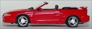 Прикрепленное изображение: 1994_Ford_Mustang_GT_Cabriolet___Minichamps___430_085632___3_small.jpg