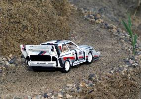 Прикрепленное изображение: 1987_Audi_Sport_quattro_S1_Pikes_Peak___Minichamps___438_871201___2_small.jpg