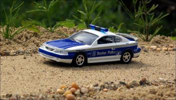 Прикрепленное изображение: 1998_Ford_Mustang_Boston_Ma_Police_Car___Road_Champs___RCI63135___1_small.jpg