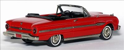 Прикрепленное изображение: 1963_Ford_Falcon_Futura_Sports_Convertible_Top_Down___Brooklin_Models___BRK.112___2_small.jpg