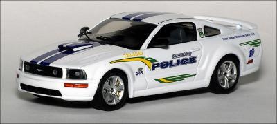 Прикрепленное изображение: 2006_Ford_Mustang_GT_Guaynabo_City___Puerto_Rico_Police___Ixo___MOC103___1_small.jpg