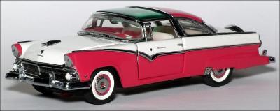 Прикрепленное изображение: 1955_Ford_Fairlane_Crown_Victoria___Franklin_Mint___UK_08___1_small.jpg